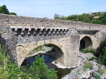 Le Pont Louis XIII sur l'Ouvèze à Privas